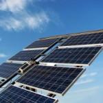 Installer des panneaux solaires sur le toit de votre maison